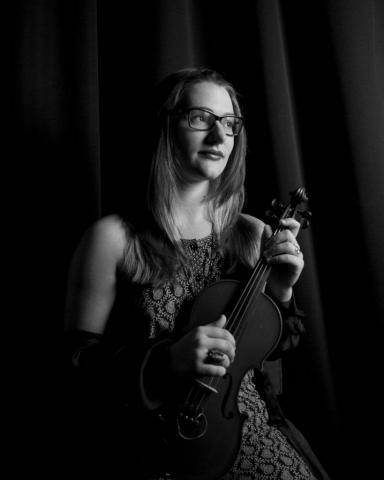 Amanda - Violinist