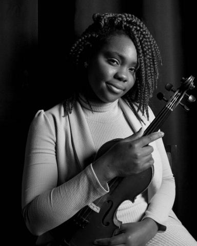 Brenda Violinist
